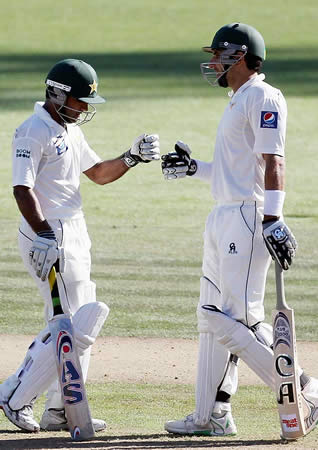 Asad Shafiq and Misbah-ul-Haq put Pakistan in control