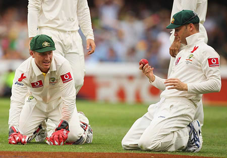 Brad Haddin can't believe Michael Clarke dropped a dolly at slip