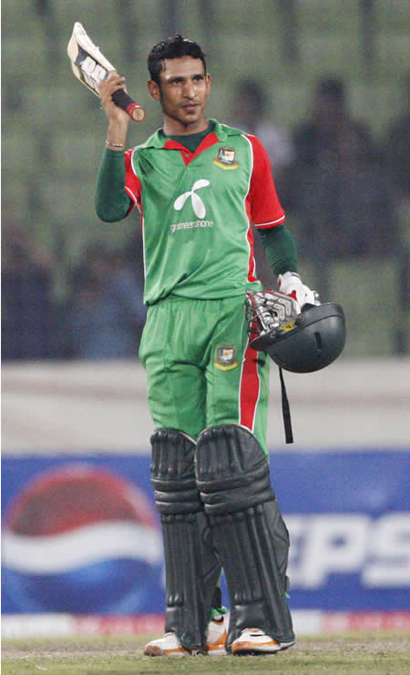 Nasir Hossain celebrates his maiden ODI century