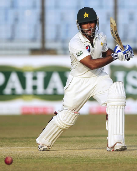 Asad Shafiq ended the day unbeaten on 40