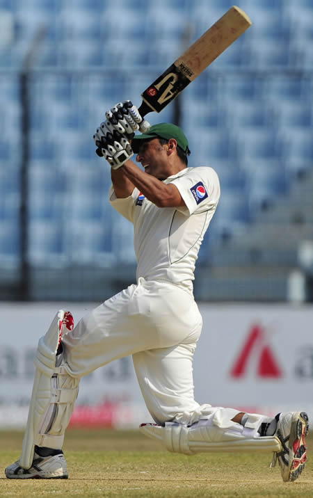 Younis Khan needed only 290 deliveries for his third Test double century