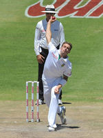 Dale Steyn bowls in Sri Lanka's second innings