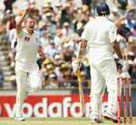 Peter Siddle had VVS Laxman caught at slip