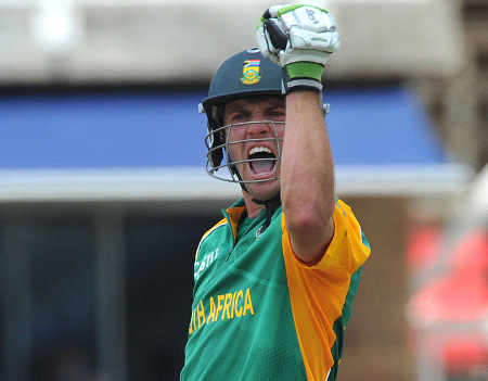 AB de Villiers pumps his fist on reaching his century