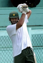 Inzamam-ul-Haq at practice on 17 May 2005