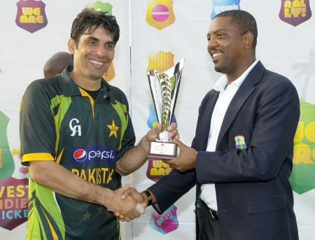 Misbah-ul-Haq receives the ODI series trophy