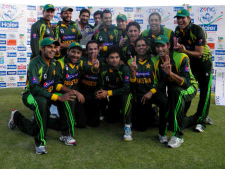Pakistan with the T20 trophy