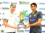 Michael Clarke and Misbah-ul-Haq with the Test trophy