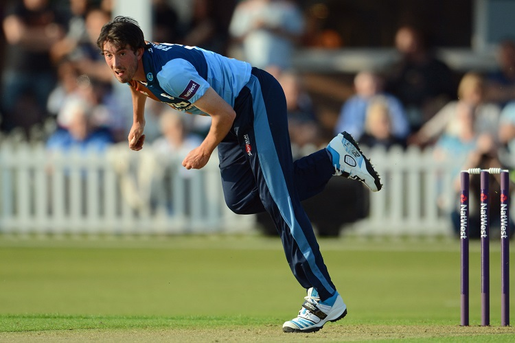 Mark Footitt bowling