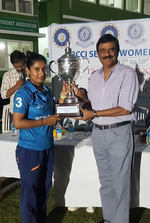 Mithali Raj receiving the trophy