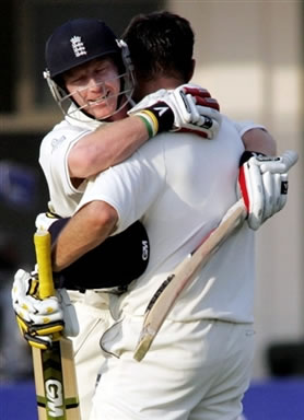 Marcus Trescothick hugs Paul Collingwood