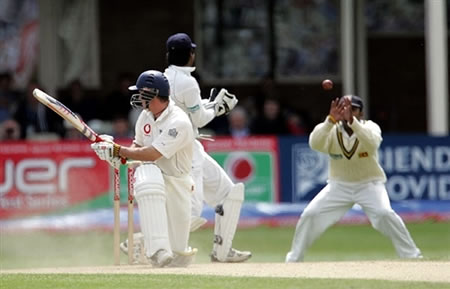 Jayawardene is taking the catch of Strauss in first slip