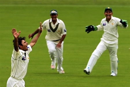 Abdul Razzaq celebrates after taking the wicket of Pietersen