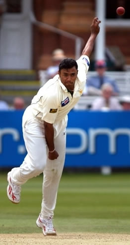 Danish Kaneria delivers a ball